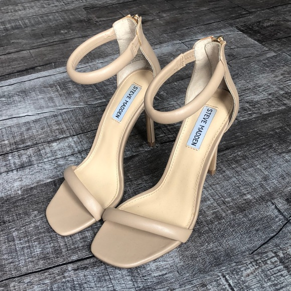 Steve Madden Shoes - Steve Madden size 7.5 nude strappy heel